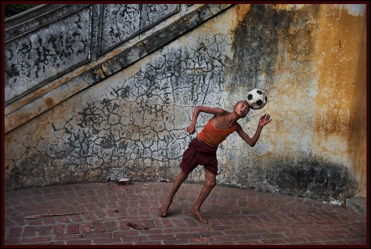 The boy and the foot ball